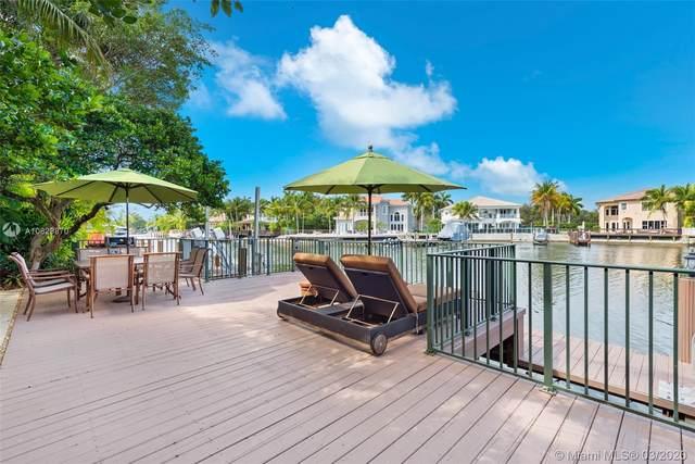 1051 Waterside Ln, Hollywood, FL 33019 (MLS #A10829870) :: Green Realty Properties