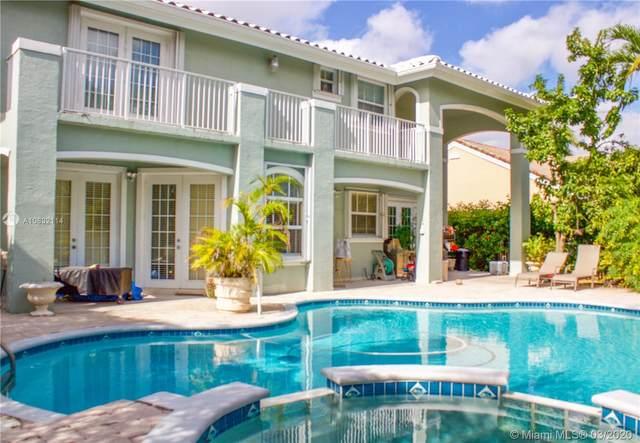 16005 NW 82nd Ct, Miami Lakes, FL 33016 (MLS #A10832114) :: Albert Garcia Team