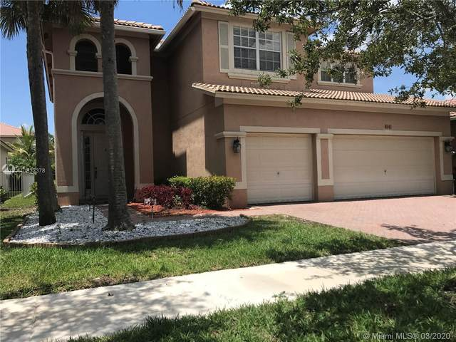 4041 W Whitewater Ave, Weston, FL 33332 (MLS #A10832378) :: The Teri Arbogast Team at Keller Williams Partners SW