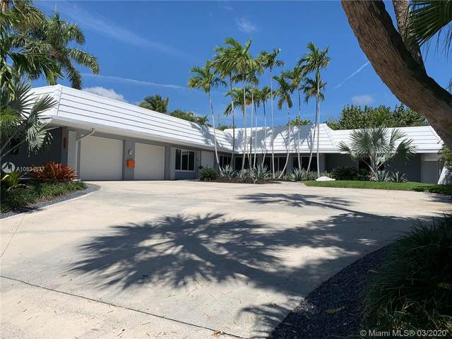 2731 Mayan Dr, Fort Lauderdale, FL 33316 (MLS #A10834077) :: The Howland Group