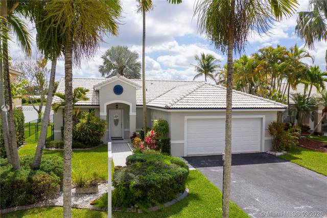471 NW 188th Ter, Pembroke Pines, FL 33029 (MLS #A10835562) :: The Jack Coden Group