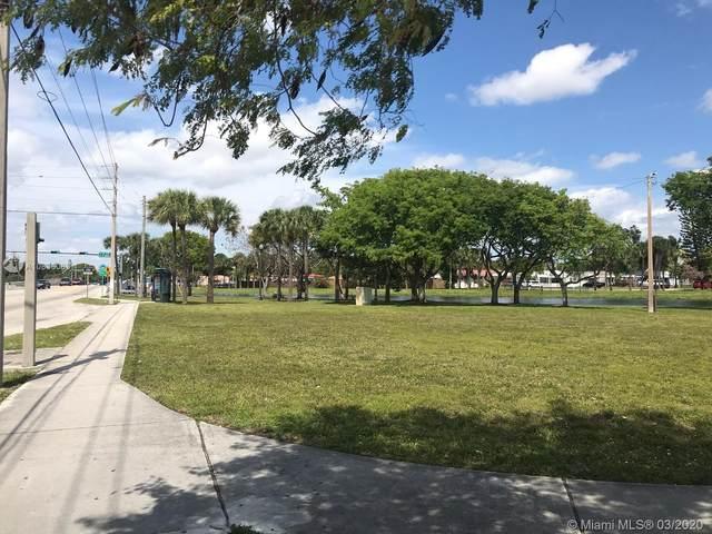169 15 Ave, North Miami Beach, FL 33162 (MLS #A10836083) :: Miami Villa Group