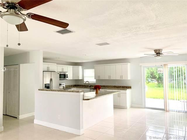 473 SE Starfish Ave, Port Saint Lucie, FL 34983 (MLS #A10837161) :: Prestige Realty Group
