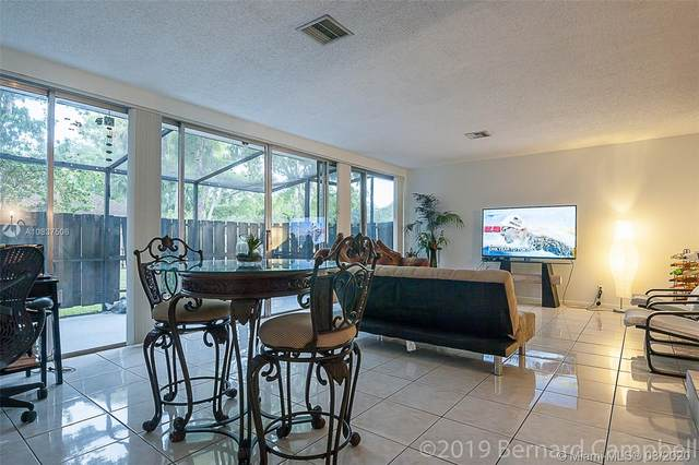 828 NW 81st Ter #7, Plantation, FL 33324 (MLS #A10837506) :: The Teri Arbogast Team at Keller Williams Partners SW