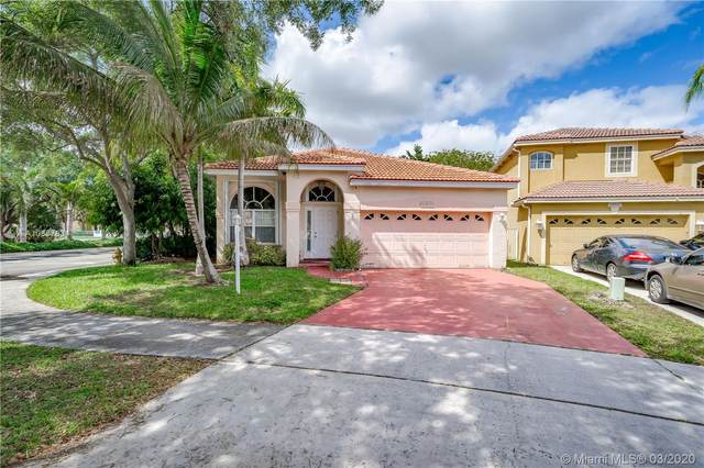 10805 Morningstar Dr, Cooper City, FL 33026 (MLS #A10837834) :: United Realty Group