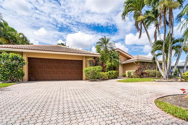 9861 SW 2nd Street, Plantation, FL 33324 (MLS #A10838525) :: The Howland Group