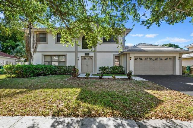 850 Greenbriar Ave, Davie, FL 33325 (MLS #A10839712) :: United Realty Group