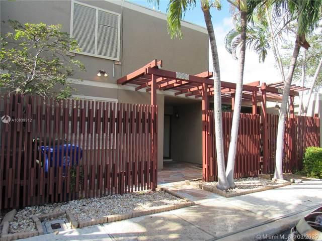 1110 Windward Dr #1, Pembroke Pines, FL 33026 (MLS #A10839912) :: United Realty Group