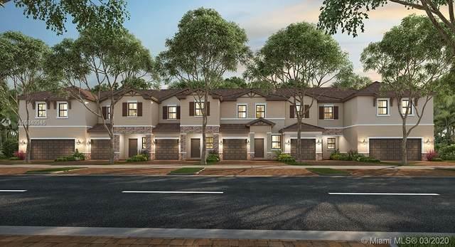 4674 Santa Cruz Way, Davie, FL 33314 (MLS #A10840046) :: United Realty Group