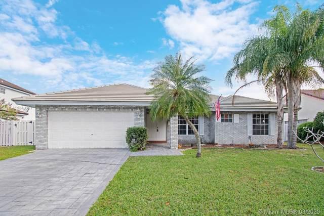 720 Blue Ridge Way, Davie, FL 33325 (MLS #A10840301) :: United Realty Group