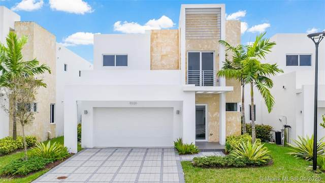 10320 NW 68th St, Doral, FL 33178 (MLS #A10840389) :: Ray De Leon with One Sotheby's International Realty