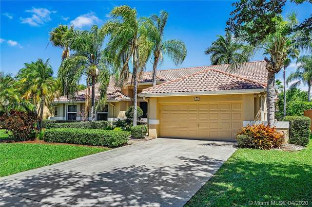 1160 NW 100th Way, Plantation, FL 33322 (MLS #A10841225) :: Patty Accorto Team