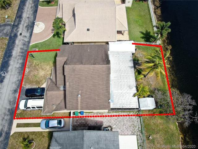 18711 NW 77th Ct, Hialeah, FL 33015 (MLS #A10841370) :: THE BANNON GROUP at RE/MAX CONSULTANTS REALTY I