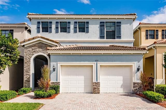 655 NE 191st Ter, Miami, FL 33179 (MLS #A10842742) :: The Riley Smith Group