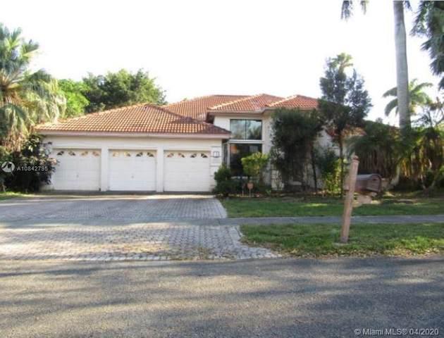 10800 Santa Fe Dr, Cooper City, FL 33026 (MLS #A10842795) :: Green Realty Properties