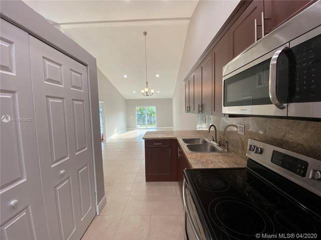 7435 NW 33rd St, Lauderhill, FL 33319 (MLS #A10843632) :: United Realty Group