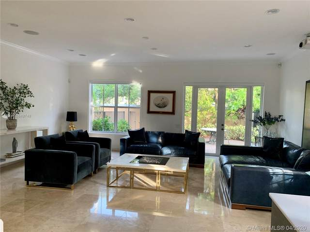 838 E Spinnaker, Hollywood, FL 33019 (MLS #A10849748) :: Berkshire Hathaway HomeServices EWM Realty