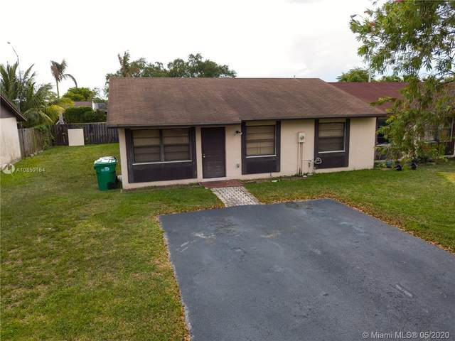 4732 SW 136th Pl, Miami, FL 33175 (MLS #A10850164) :: Castelli Real Estate Services