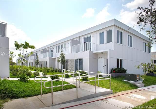 13724 SW 259 ST, Miami, FL 33032 (MLS #A10851367) :: The Paiz Group