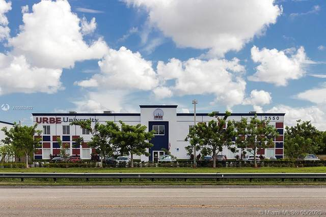 2550 NW 100th Ave, Doral, FL 33172 (MLS #A10852492) :: The Teri Arbogast Team at Keller Williams Partners SW