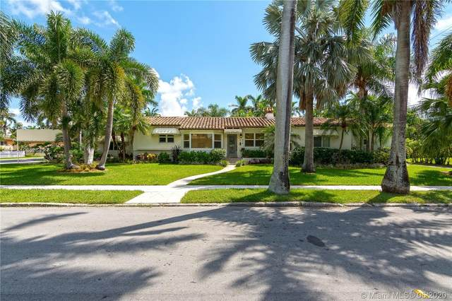 215 N 10th Ave, Hollywood, FL 33019 (MLS #A10852641) :: Castelli Real Estate Services