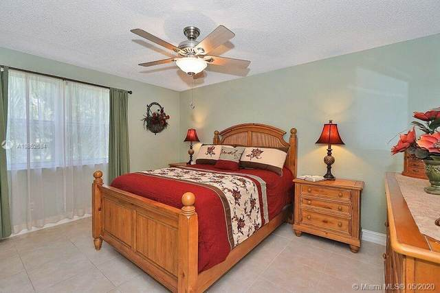 11200 SW 13th St #201, Pembroke Pines, FL 33025 (MLS #A10852684) :: The Riley Smith Group