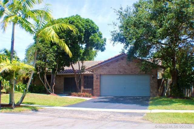 9101 NW 11th Ct, Plantation, FL 33322 (MLS #A10856069) :: Berkshire Hathaway HomeServices EWM Realty