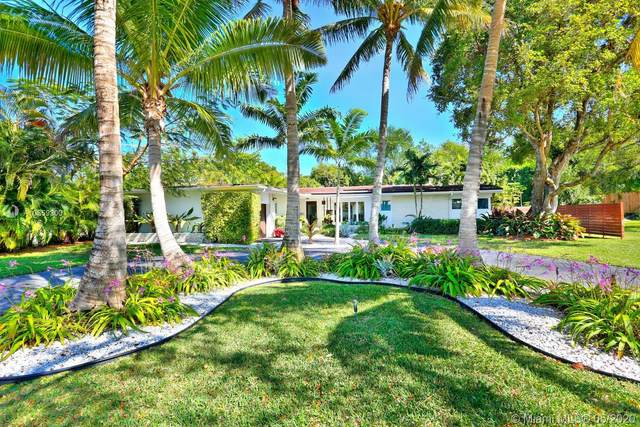15 Shore Dr E, Coconut Grove, FL 33133 (MLS #A10859300) :: Carole Smith Real Estate Team