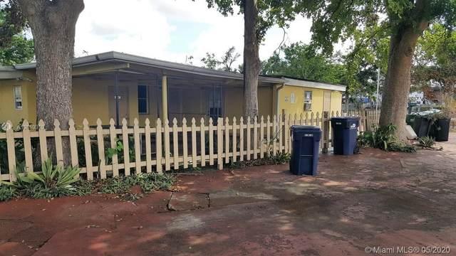 10135 SW 56th St, Miami, FL 33165 (MLS #A10859319) :: Carole Smith Real Estate Team