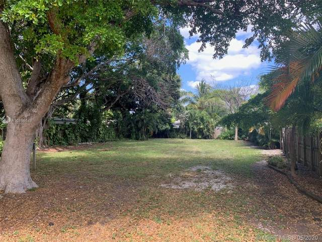 2662 NE 9th Ave, Wilton Manors, FL 33334 (MLS #A10859649) :: Berkshire Hathaway HomeServices EWM Realty