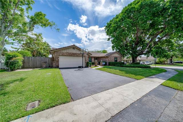 9680 NW 16th St, Plantation, FL 33322 (MLS #A10860008) :: The Teri Arbogast Team at Keller Williams Partners SW