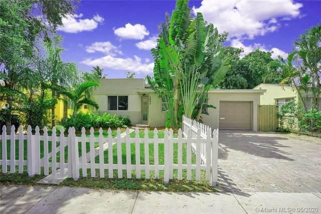 2534 Washington St, Hollywood, FL 33020 (#A10860247) :: Real Estate Authority