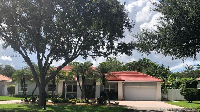8240 NW 154th Ter, Miami Lakes, FL 33016 (MLS #A10860945) :: Lucido Global