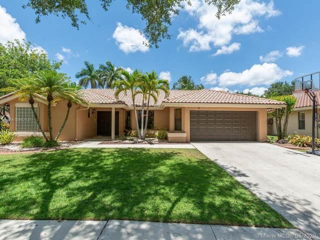 1625 Newport Lane, Weston, FL 33326 (MLS #A10862131) :: Re/Max PowerPro Realty