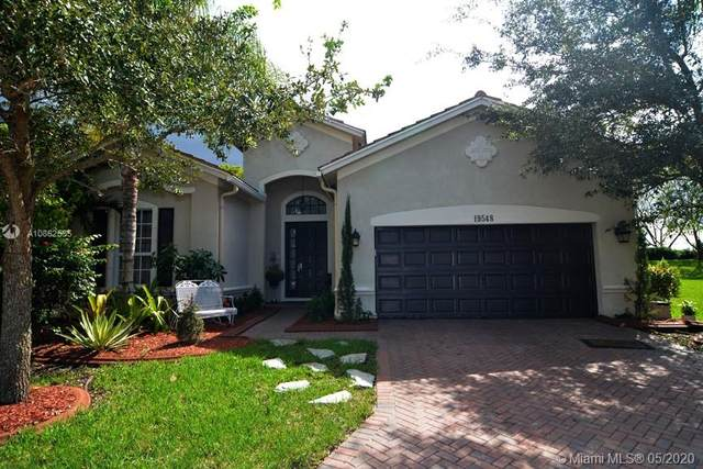 19548 S Whitewater Ave, Weston, FL 33332 (MLS #A10862535) :: The Teri Arbogast Team at Keller Williams Partners SW