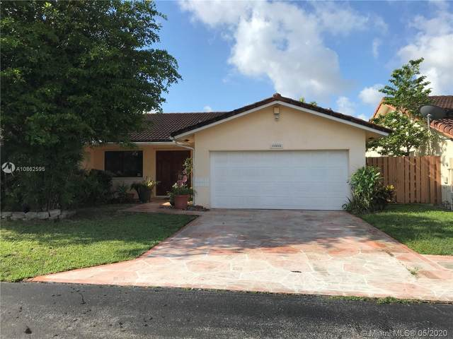 15842 SW 105th St, Miami, FL 33196 (MLS #A10862595) :: The Jack Coden Group