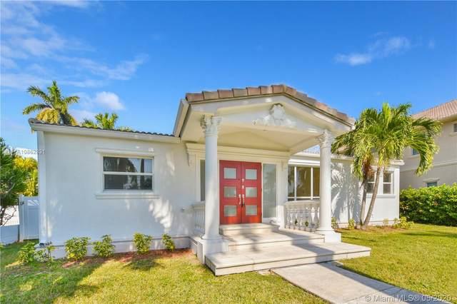923 Hollywood Blvd, Hollywood, FL 33019 (MLS #A10862831) :: Castelli Real Estate Services