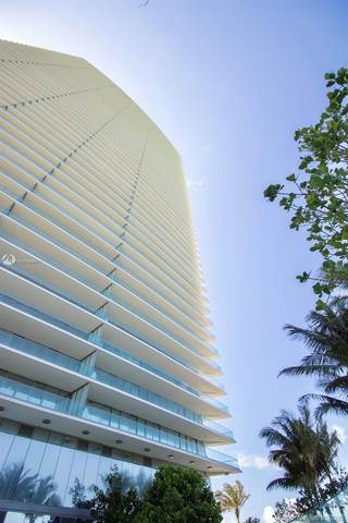 18975 Collins Ave #2702, Sunny Isles Beach, FL 33160 (MLS #A10863669) :: Ray De Leon with One Sotheby's International Realty