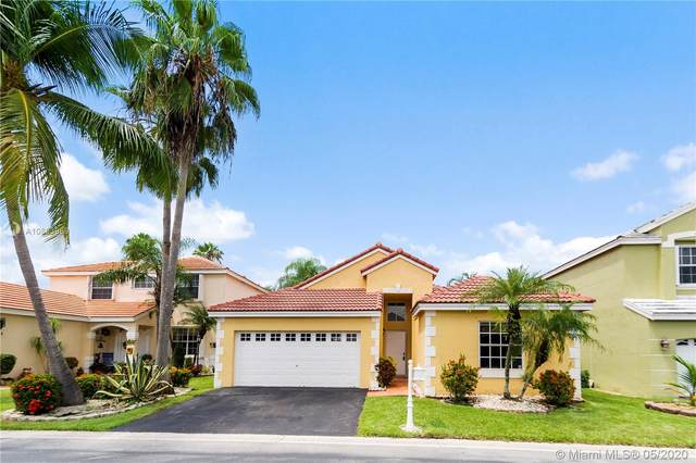 411 Bermuda Springs Dr, Weston, FL 33326 (MLS #A10863959) :: Julian Johnston Team