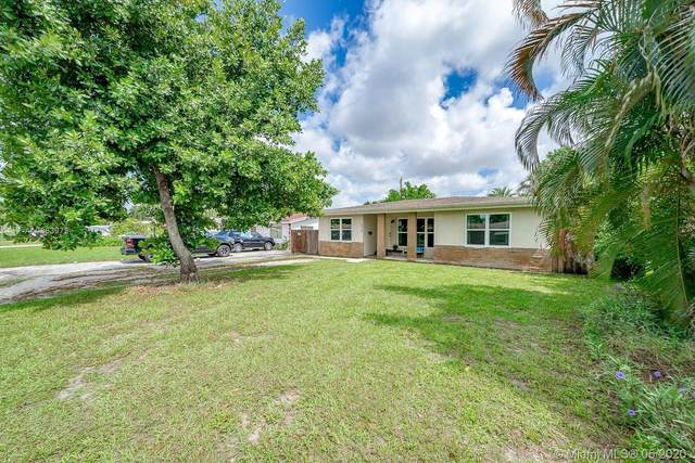 6809 SW 12th St, Pembroke Pines, FL 33023 (MLS #A10863973) :: The Rose Harris Group