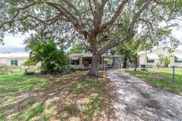 2407 Harding St, Hollywood, FL 33020 (MLS #A10864708) :: The Riley Smith Group