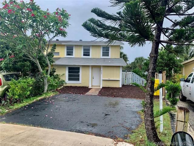 8585 Uranus Ter, West Palm Beach, FL 33403 (MLS #A10864906) :: The Paiz Group