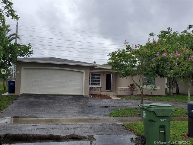 2111 NW 93rd Ave, Pembroke Pines, FL 33024 (MLS #A10865087) :: The Teri Arbogast Team at Keller Williams Partners SW