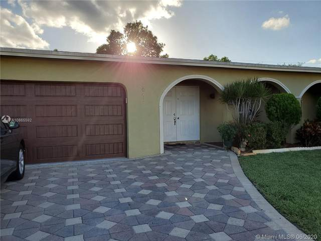 2041 NW 87th Ln, Sunrise, FL 33322 (MLS #A10865592) :: The Teri Arbogast Team at Keller Williams Partners SW