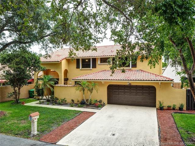 2925 Cardinal Dr, Cooper City, FL 33026 (MLS #A10865600) :: RE/MAX