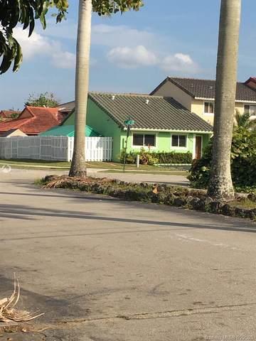1061 SE 12th Ter, Homestead, FL 33035 (MLS #A10865710) :: Grove Properties