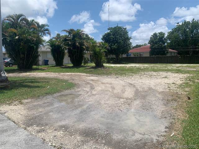 850 NW 207th St, Miami Gardens, FL 33169 (MLS #A10866510) :: Lucido Global