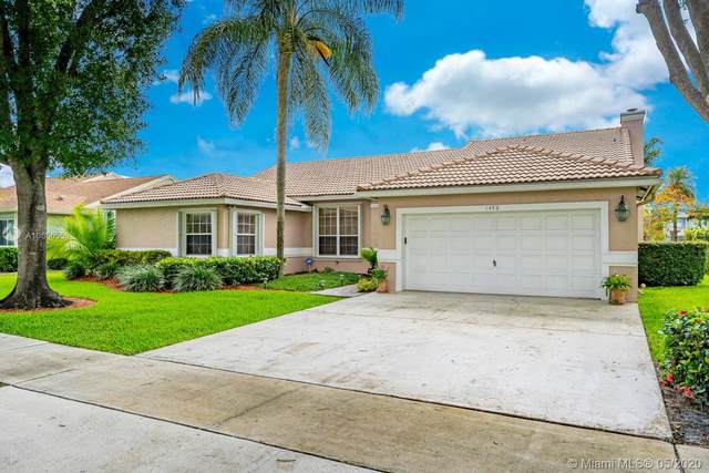 1496 SW 98th Ln, Davie, FL 33324 (MLS #A10866553) :: The Paiz Group