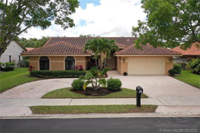 9797 North Springs Way, Coral Springs, FL 33076 (#A10866649) :: Real Estate Authority