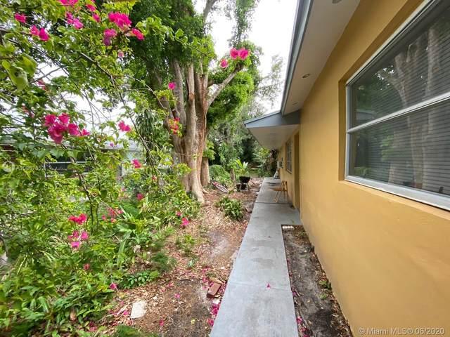 5240 SW 40th Ter, Dania Beach, FL 33314 (MLS #A10867552) :: Green Realty Properties